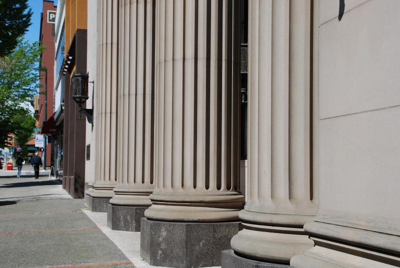 sidewalk, columns