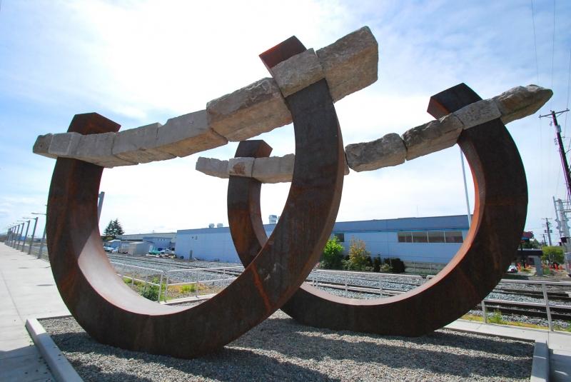 south tacoma, transit center, horseshoes